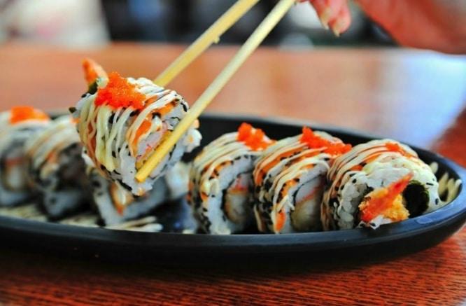 sushi sevilla