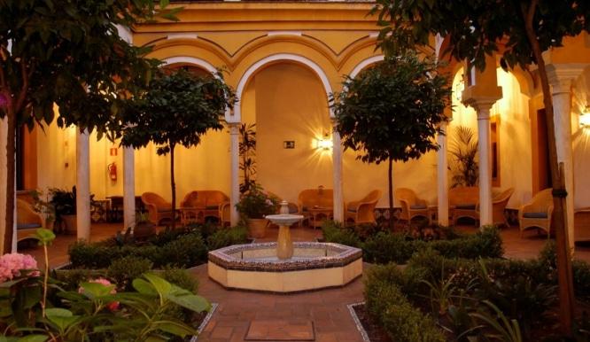 patio sevilla hotel casa imperial