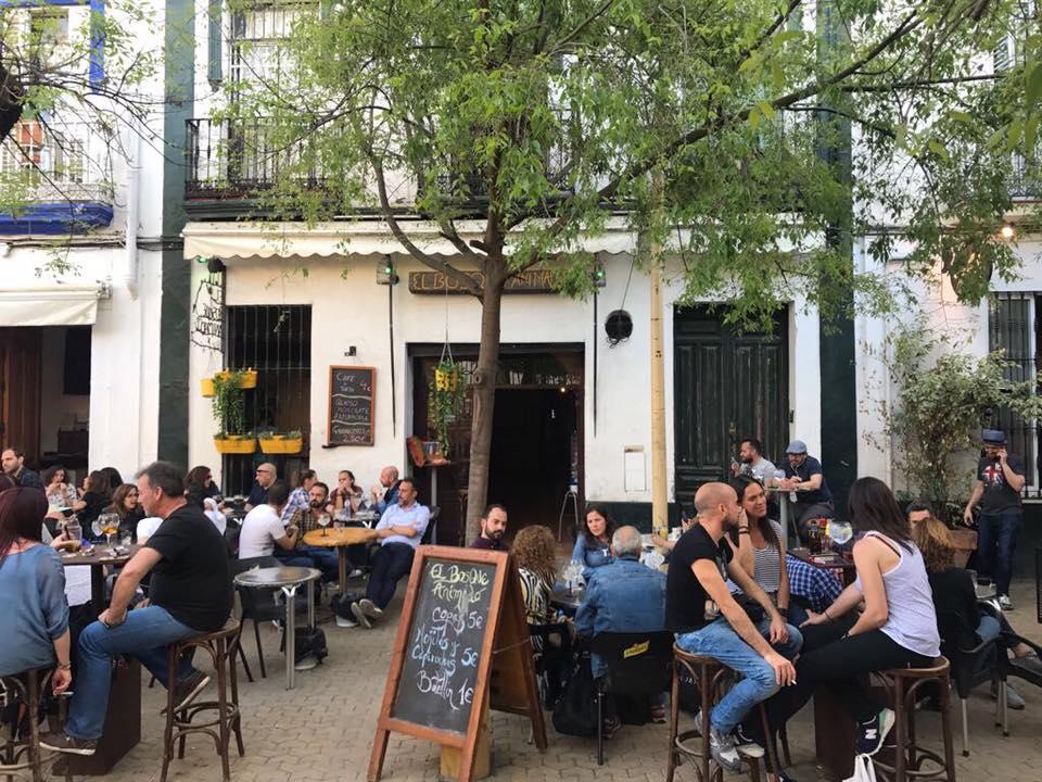 5 pubs de ambiente gay en sevilla sevilla secreta - Banos publicos gay ...