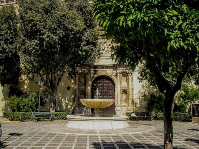 Plaza de Santa Isabel Sevilla