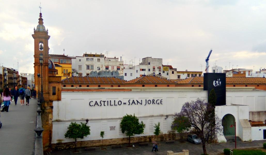 Castillo_de_San_Jorge_Sevilla(1)
