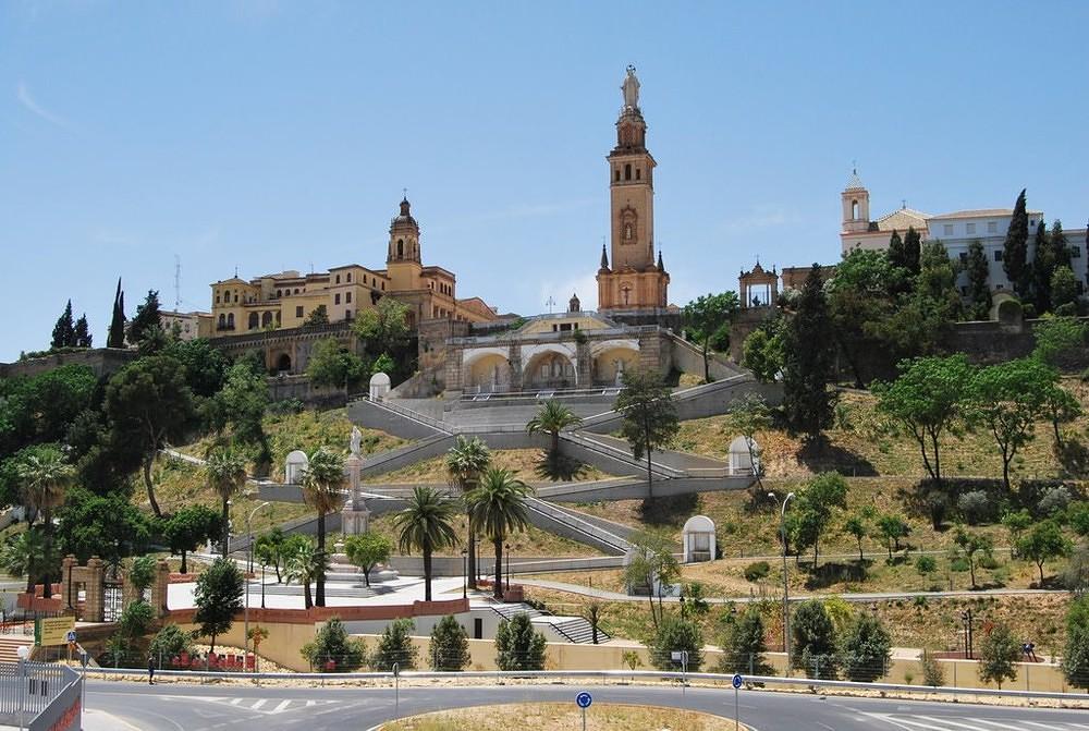 Monumento al Sagrado Corazón de Jesús San Juan de Aznalfarache