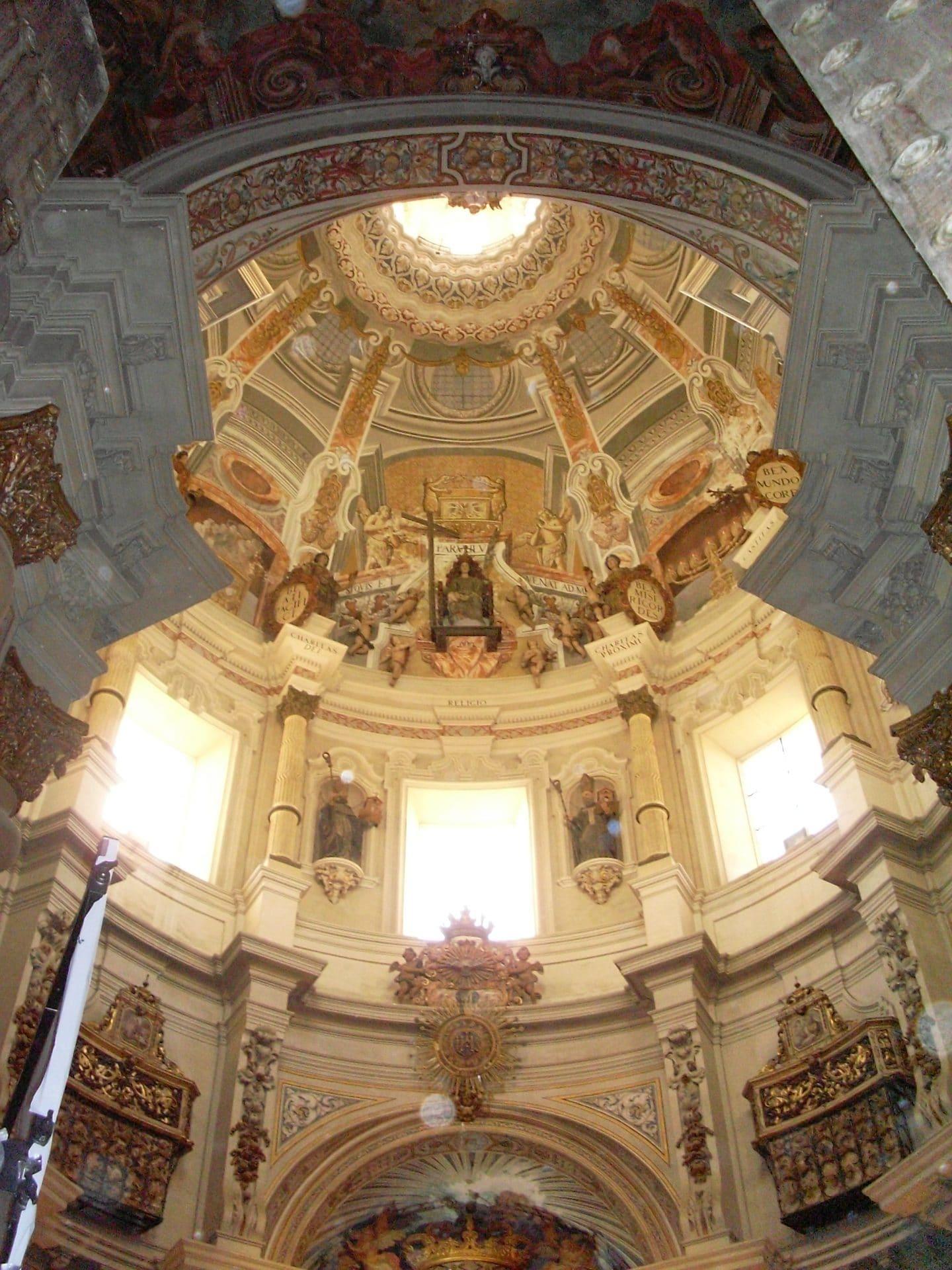 Interior_Iglesia_San_Luis