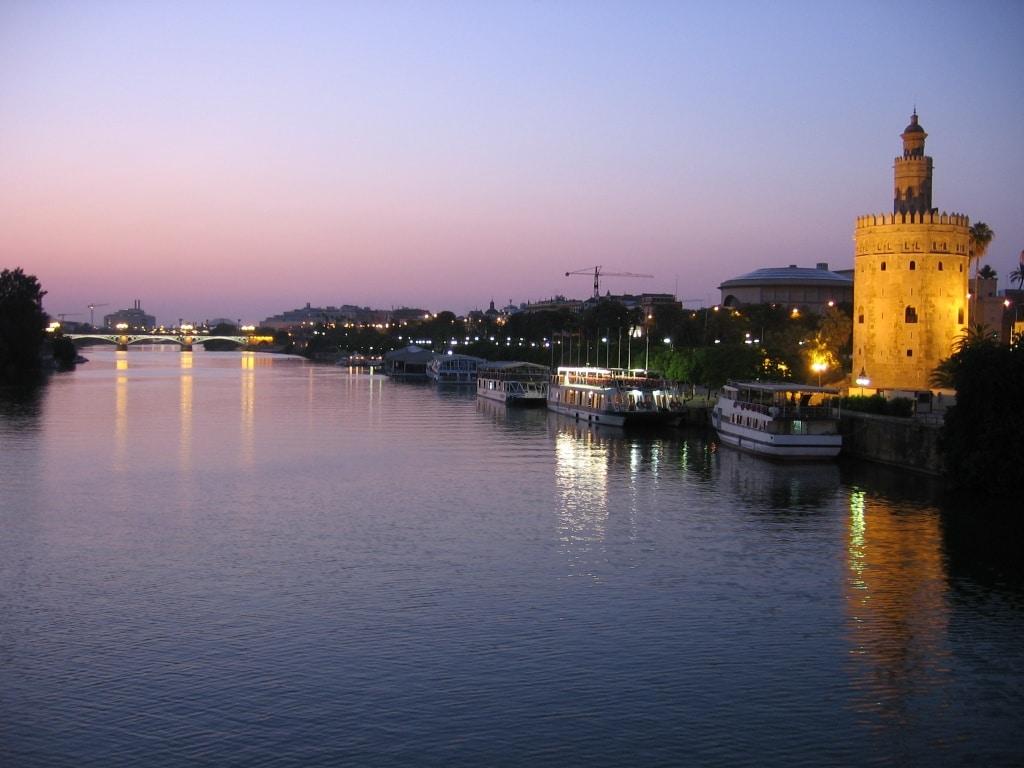 planes alternativos para nochevieja en Sevilla