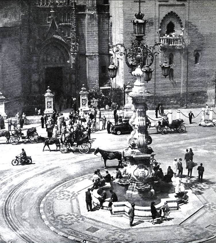 plaza_virgen_de_los_reyes_de_sevilla