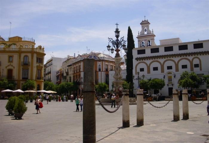 Plaza_virgen_de_los_reyes
